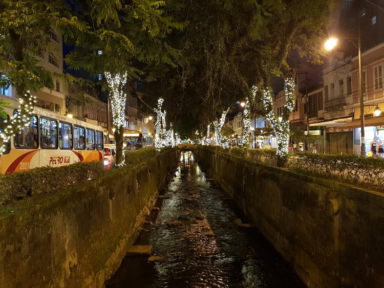 Decoração do Natal Imperial nas Ruas de Petrópolis
